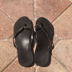 American Eagle Dark Brown Flip Flips